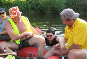 2016 Schlauchboottour Kr.Hufe unterwegs Bootshaus am Anger 01